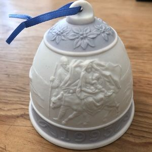 Lladró 1993 Christmas bell